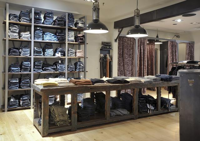 boutique mode giorgia 2011 nos r alisations akr french design akr french design. Black Bedroom Furniture Sets. Home Design Ideas