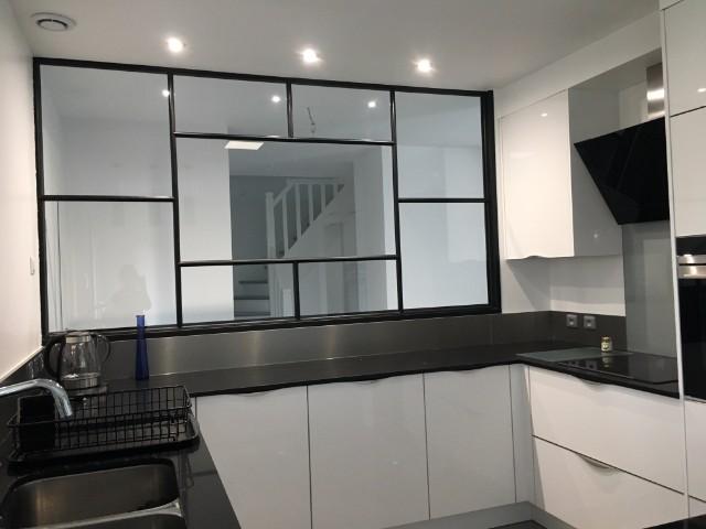 verri re d 39 atelier pour cuisine verri re d 39 int rieur atelier akr french design akr french. Black Bedroom Furniture Sets. Home Design Ideas