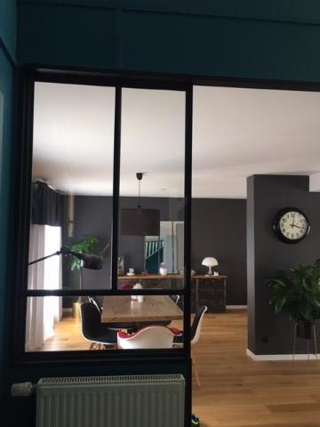 verri re d 39 int rieur dans couloir verri re d 39 int rieur atelier akr french design akr. Black Bedroom Furniture Sets. Home Design Ideas